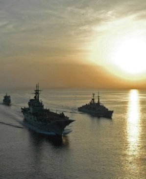 Italian warships approaching the Libyan coast