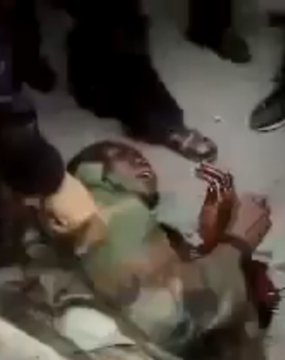 Alleged mercenary captured by Libyan protesters